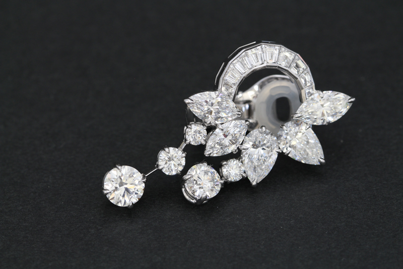 ハリーウィンストンダイヤモンドイヤリング2