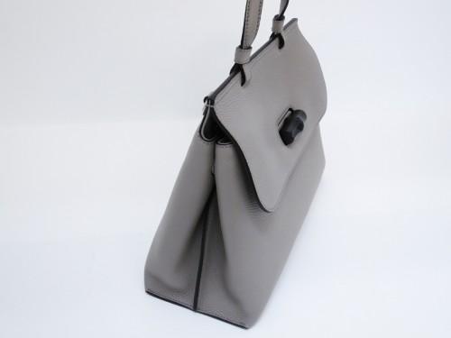 グッチミディアム レザー トップハンドルバッグ