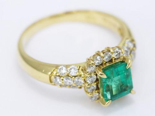 エメラルド ダイヤモンドリング2